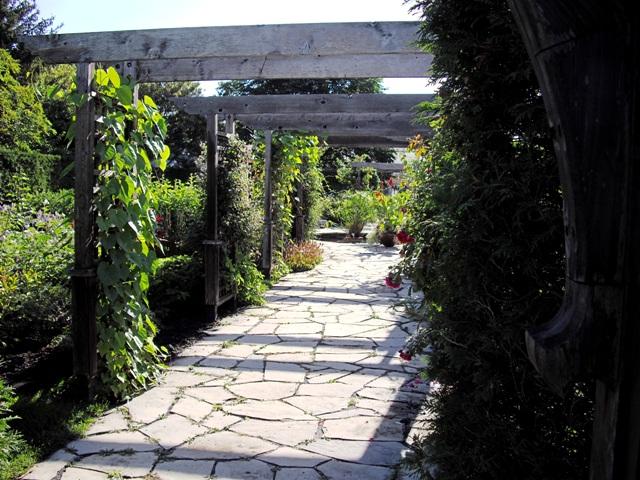 Ottawa Outdoor Wedding Venues: 2 Secret Gardens