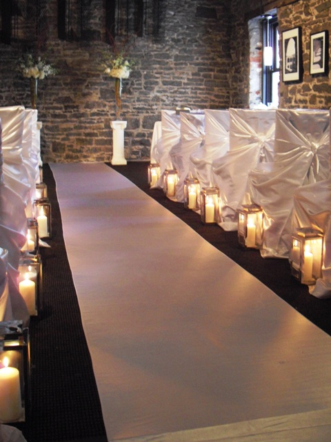 Ceremony Decor at the Courtyard Restaurant