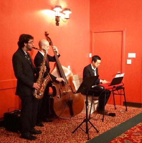 A live jazz trio provided ceremony music. Photo by Alan Viau