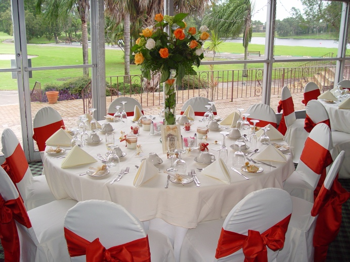 Perfect-Beautiful-Wedding-Party-Table