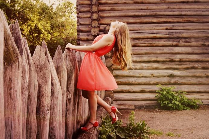 dress-864107_1280