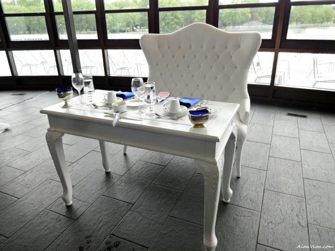 Blue Sweetheart Table