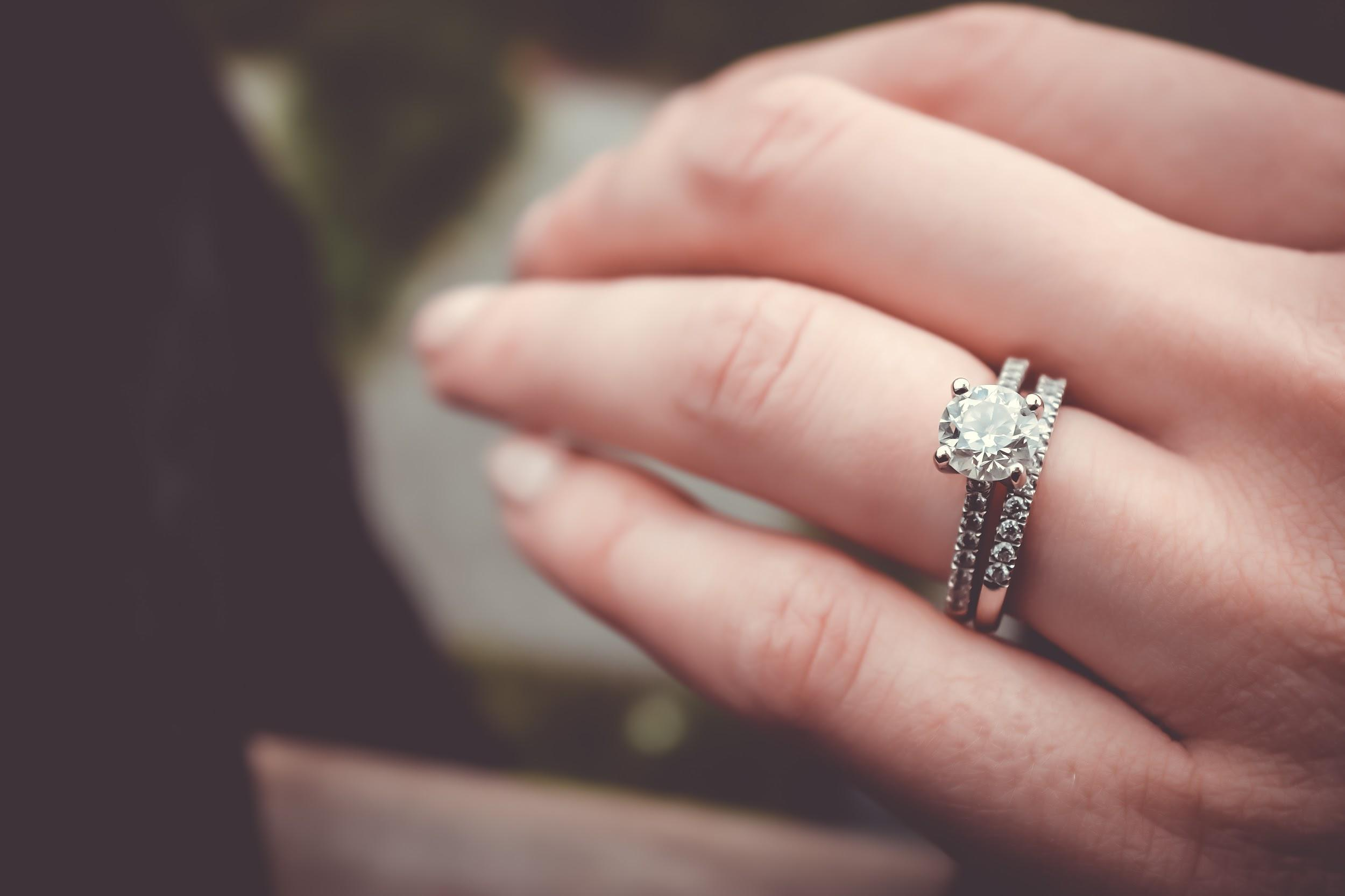 5 Rules on How to Rock Your Engagement Ring – ottawa wedding journal