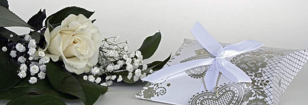 Your guide to buying the best wedding gifts ottawa wedding journal even if the couple tried to help you out with a wedding registry sometimes all the gifts in your target price range are already bought junglespirit Gallery